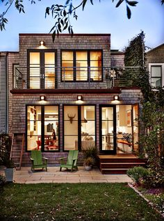 Modern shingled house [Jeff King & Co]