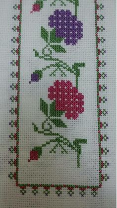 This Pin was discovered by Saa Cute Cross Stitch, Cross Stitch Borders, Cross Stitch Flowers, Cross Stitch Kits, Cross Stitch Charts, Cross Stitch Designs, Cross Stitching, Cross Stitch Embroidery, Hand Embroidery