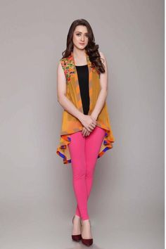 Rang Ja Pret 2017 Collection Eid Festival, Rang Ja summer collection has launched recently in april summer Comes in Pakistan for a long time. Shrug For Dresses, Lovely Dresses, Casual Dresses, Designs For Dresses, Dress Neck Designs, Short Frocks, Popular Outfits, Indian Designer Outfits, Pants For Women