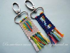 Брелок. Прямое плетение,разноцветная основа - YouTube Macrame Art, Macrame Knots, Macrame Jewelry, Friendship Keychains, Friendship Bracelets Designs, Micro Macramé, Alpha Patterns, Yarn Projects, Handmade Accessories