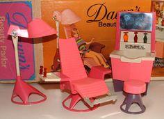 Dawn doll beauty parlor