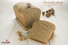 Pan bauletto integrale con yogurt, miele e noci! Un pane semplice, buono e genuino che piace a tutti, anche ai più piccoli!