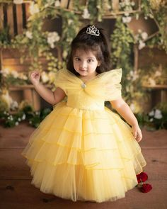 Kids Party Wear Dresses, Kids Dress Wear, Baby Girl Party Dresses, Kids Gown, Dresses Kids Girl, Kids Outfits Girls, Baby Frocks Party Wear, Girls Frock Design, Kids Frocks Design