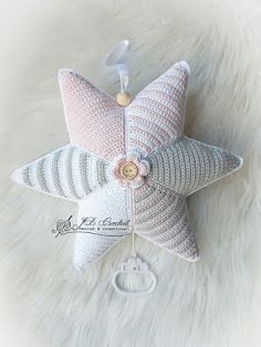 Crochet Baby Toys, Crochet For Boys, Crochet Gifts, Crochet Animals, Crochet Flower Patterns, Crochet Designs, Bead Crochet Rope, Easy Crochet, Newborn Toys