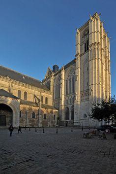 Cathédrale Saint-Julien à Le Mans Sarthe France, auteur gerardgg pour Patrimoine de France.