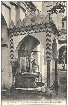 c.1910 - Djâmâa El-Kébir court, ablutions fountain (Algiers, Algeria)