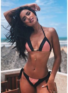 Hot sexy bikini babes video beautiful Girls, visit us for more ! Strapless Swimsuit, Bandeau Swimsuit, Bikini Swimwear, Swimsuits, Sexy Bikini, Bikini Girls, Bikini Set, Bikini Babes, Bikini Azul
