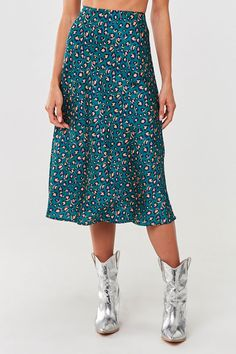 A woven midi skirt featuring an allover leopard print design and an elasticized high waist. - This is an independent brand and not a Forever 21 branded item. Shop Forever, Forever 21, Fall Skirts, Gray Skirt, Denim Mini Skirt, School Fashion, Vintage Style Outfits, Latest Trends, Midi Skirt
