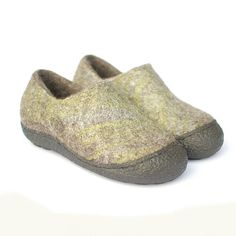 Wool clogs gray green  Clogs 6 Rustic  Felted wool shoes by Rasae