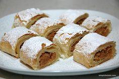 Strudel cu mere Krispie Treats, Rice Krispies, Strudel, Sweet Memories, Apples, Deserts, Dessert Recipes, Breakfast, Cake