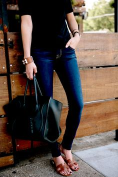 Casual Style with Hermes Sandals Hermes Oran Sandals, Late Summer Outfits, Sandals Outfit, T Shirt And Jeans, Minimalist Fashion, Street Style Women, Casual Outfits, Night Outfits, Trending Outfits