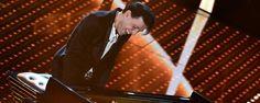 """Ezio Bosso in concerto a Cervia.  pianista, compositore e direttore d'orchestra di fama internazionale … è l'ospite che ha incantato il Festival di Sanremo 2016; si è esibito con Following a bird, un brano estratto dall'album, """" The 12th Room """" durante la seconda serata della manifestazione festivaliera."""