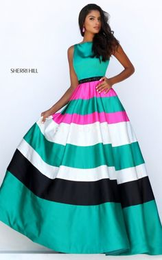 Sherri Hill dresses are designer gowns for television and film stars. Find out why her prom dresses and couture dresses are the choice of young Hollywood. Sherri Hill Homecoming Dresses, Prom Dresses 2016, Designer Prom Dresses, Cheap Prom Dresses, Prom 2016, Prom Gowns, Striped Evening Dresses, Prom Dress Couture, Pretty Quinceanera Dresses