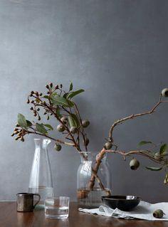 Still life prop styling Deco Floral, Arte Floral, Floral Design, Ikebana, Wabi Sabi, Decoration Entree, Interior Styling, Interior Design, Deco Addict