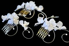 Bridal hair comb Floral headpiece in ivory or white Bridesmaid headpiece from www.MyArtDeco.co