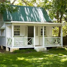 Deep South Tiny House - Love the big porch --great size for a guest house.
