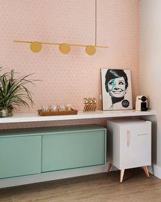 Clinic Interior Design, Interior Design Living Room, Interior Decorating, Boutique Interior, Casa Retro, Beauty Room Decor, Coffee Bar Home, Bars For Home, Room Decor Bedroom