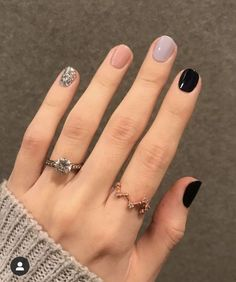 30 Minimalist Nail Art Ideas That Are Anything but Boring Stylish Nails, Trendy Nails, Cute Acrylic Nails, Cute Nails, Hair And Nails, My Nails, Pointy Nails, Coffin Nails, Nail Manicure