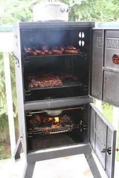 New Brinkmann vertical user, charcoal tray mod v. Bbq Smoker Trailer, Bbq Pit Smoker, Barbecue Smoker, Bbq Grill, Custom Bbq Smokers, Custom Bbq Pits, Barbeque Design, Grill Design, Outdoor Oven