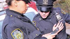 """پلیس نیویورک در صدد دور انداختن ۳۶۰۰۰ ویندوز فون است که در طی ۲ سال گذشته به افسران خود داده است، چرا که این گوشیها منسوخ شدهاند و دیگر قابل بهروزرسانی نیستند. شهر نیویورک در زمان شهرداری بیل دِ بلَزیو و در طرحی به ارزش ۱۶۰ میلیون دلار به نام """"NYPD Mobility Initiative�"""