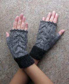 Fingerless Gloves, Ledies knit mittens gloves, Gray women's gloves, Arm warmers, Winter Gloves, Woolen, Hand Knitted, Wrist warmers, Soft