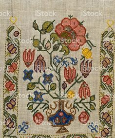 Stok Fotoğraf ve Royalty-Free Abonelikleri Satın Alın Hand Work Embroidery, Embroidery Patterns Free, Crewel Embroidery, Hand Embroidery Designs, Ribbon Embroidery, Cross Stitch Embroidery, Cross Stitch Patterns, Knitting Patterns, Needlework