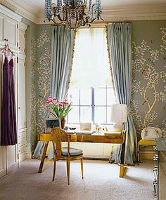 Aerin Lauder, NYC - hand painted wallpaper by Gracie.