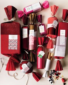 All things Christmas cracker - Martha Stewart Noel Christmas, All Things Christmas, Christmas Crafts, Christmas Decorations, Homemade Christmas, Xmas, Holiday Pops, Holiday Fun, Wrapping Ideas