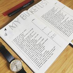 """Hello tout le monde !! Je vous retrouve aujourd'hui pour la suite de mon premier article : """"Commencer un Bullet journal®"""" avec ce second chapitre sur """"Les collections & trackers"""". Quand j'ai commencé mon premier Bullet journal®, ce qui m'a attiré, je vous l'avoue, c'est la possibilité de regrouper dans un seul carnet toutes les petites listes que je faisais à droite à gauche, toutes les infos que je notais sur des post-it ou des feuilles volantes. J..."""