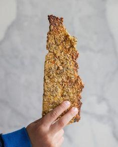 Galleta de Chía y Quínoa apta celíacos - Green Vivant Bread Recipes, Real Food Recipes, Vegan Recipes, Cooking Recipes, Healthy Biscuits, Healthy Food Alternatives, Crackers, Breakfast Toast, Healthy Smoothies
