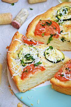 Moja smaczna kuchnia: Focaccia z cukinią i pomidorem