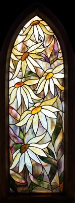 Daisy An exhibition piece. David drew inspiration for this piece from the colours and textures in the stained glass. The design was kept fairly simple, all handmade Youghiogheny Art Glass sourced i...