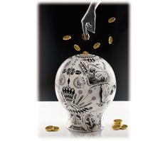 The moneybox money box in porcelain