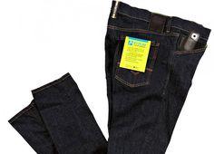 Replay créé le jean social denim qui communique sur les réseaux sociaux |