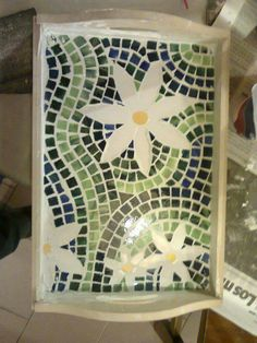 Mosaic Tray, Mosaic Glass, Stained Glass, Mosaic Art Projects, Creative Crafts, Crafts To Make, Projects To Try, Mary, Cooking