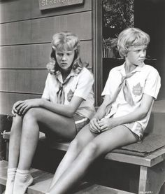 Double Duty Hayley Mills as Susan and Sharon Evers - The Parent Trap (1961)