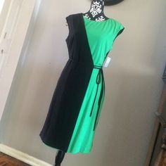 """Suzi Chin for maggy boutique dress Nice dress,size 12,95% polyester,5% spandex,37"""" long from top to bottom Suzy Chin Dresses"""