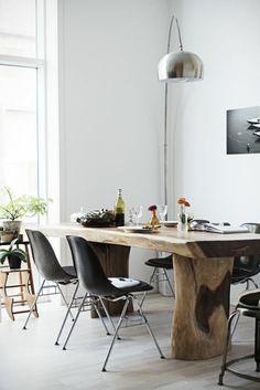 massivholzmöbel esszimmer landhausstil esstisch echtholz stehlampe