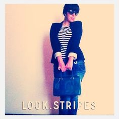 Another day at the office: stripes - shirt Mango, jeans Pepe Jeans Andy Warhol, jacket Zara, bag Furla Cady, sunglasses Prada.