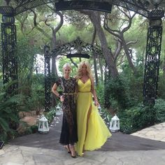 """Wedding cocktail with my beautiful friend @amandacarolinecronin #aboutyesterday"""