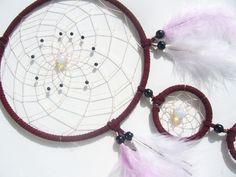 Opalith und Achate im weinroten Dreamcatcher von Dreamcatcher calidad - buena suerte - piedras de la suerte! auf DaWanda.com