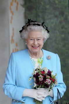 queen elizabeth fashion - Cerca con Google