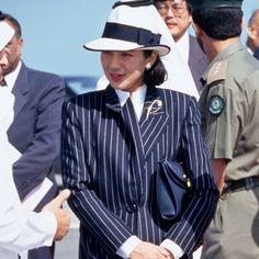 Women Lawyer, Japanese Style, Fasion, Panama Hat, Fashion Ideas, Bodice, Royalty, History, Beautiful