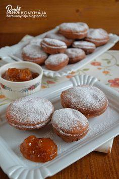 Azt hiszem megint egy süti ami futótűzként terjed az interneten, persze nem újdonság csak egy elfeledett recept ami még nekem is megvolt, de megfeledkeztem róla. Aztán tegnap HahóPihe konyhájában látt