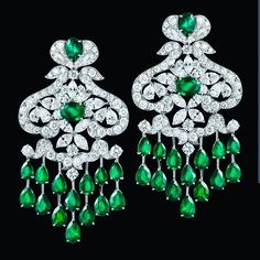By @orlovjewelry #emeralds #diamonds #earrings #stunning #beauty #likeit #instagood #instajewels #instajewelry #nice #highjewellery #jewellery #jewelry #magnificent #gorgeous #extraordinary #mm_mucevhermagazin