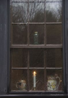 I love candles in windows! The Murmuring Cottage Bonheur Simple, Foto Gif, Window Candles, Cottage In The Woods, Autumn Aesthetic, Ivy House, Photos Voyages, Window View, Through The Window
