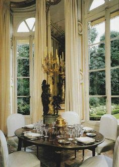 Hubert de Givenchy at the Hôtel d'Orrouer, as it appeared in Part Main Salon, bay facing garde French Architecture, Interior Architecture, Beautiful Interiors, Beautiful Homes, French Interiors, Chateau Hotel, Parisian Apartment, Parisian Decor, Beautiful Dining Rooms