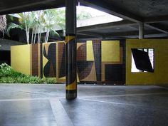 Mural lateral del Aula Magna UCV. 2002