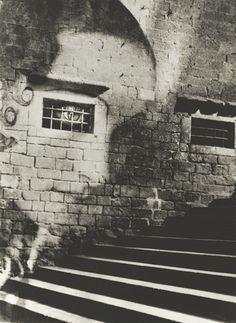 Subida a la catedral, España,1937 by Kati Horna #street art #graffiti
