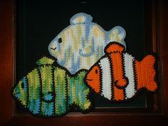 Free Fish Potholder Pattern   Fish Potholder  Copyright - 2007 - designed by Cindy Cave   Disclaimer: This is my own original patter...